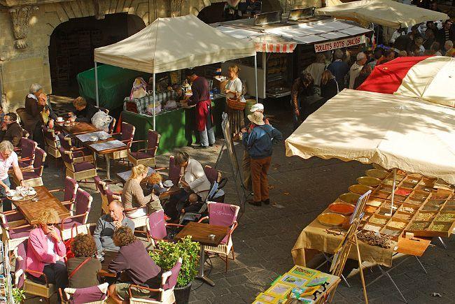 Au marché d'Uzès